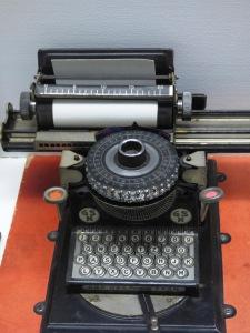 machine-1311359_1920