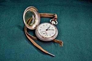 watch-1267417_1920